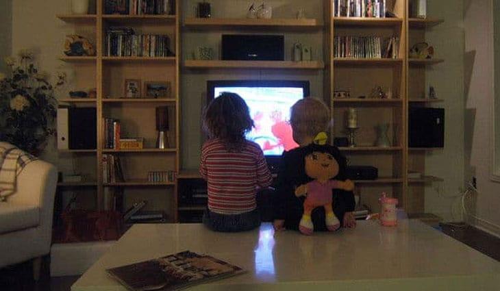 televisie - Sleep problems in children by TV adults