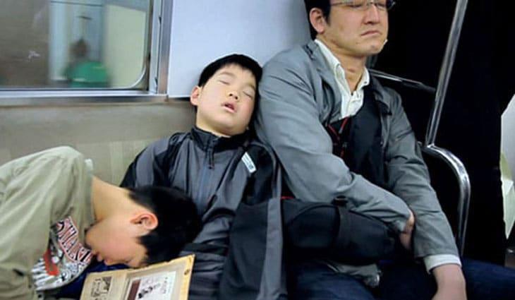 tokyo dreams - SLEEPING IN THE SUBWAY ,FALLING ASLEEP IN THE SUBWAY?