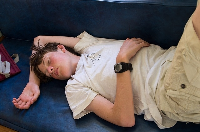 pubers - PROBLEMS OF SLEEP DEPRIVATION IN YOUNG PEOPLE AND TEENAGERS