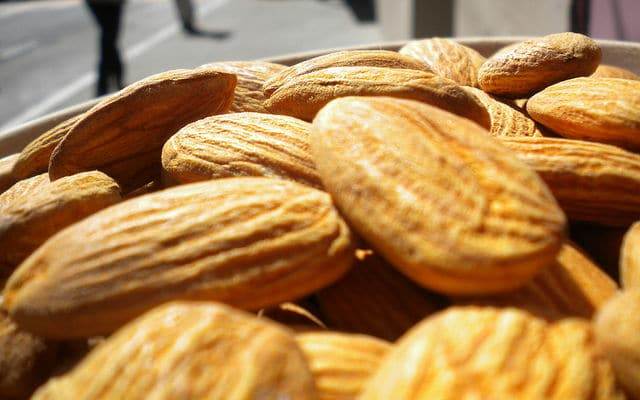 amandelen - Sleep tip: Eat more almonds