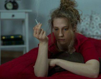 roken in bed