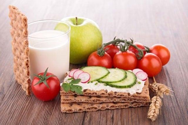 Eet een lichte snack - Sleep tip: Eat a light snack